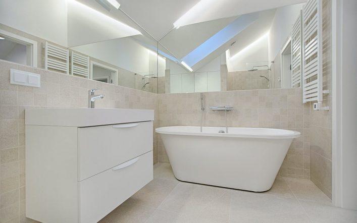 Praktyczna łazienka – jakie wyposażenie?